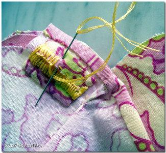 Buttonholescallopedcollar